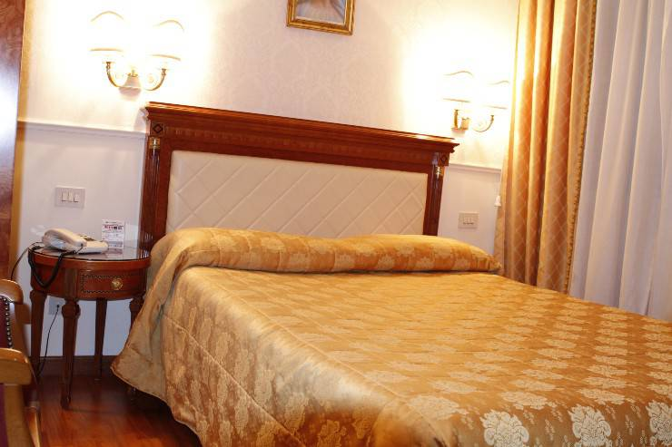Standard double room for single use genio hotel rome